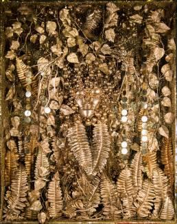 Eros Renzetti Shadow boxes (Apparizione), 2015 Legno, plastica, stoffa, strass, lustrini, paillettes, luce led 90 x 70 x 17 cm